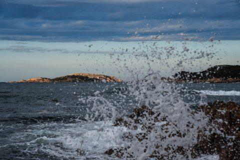 Sea brakers